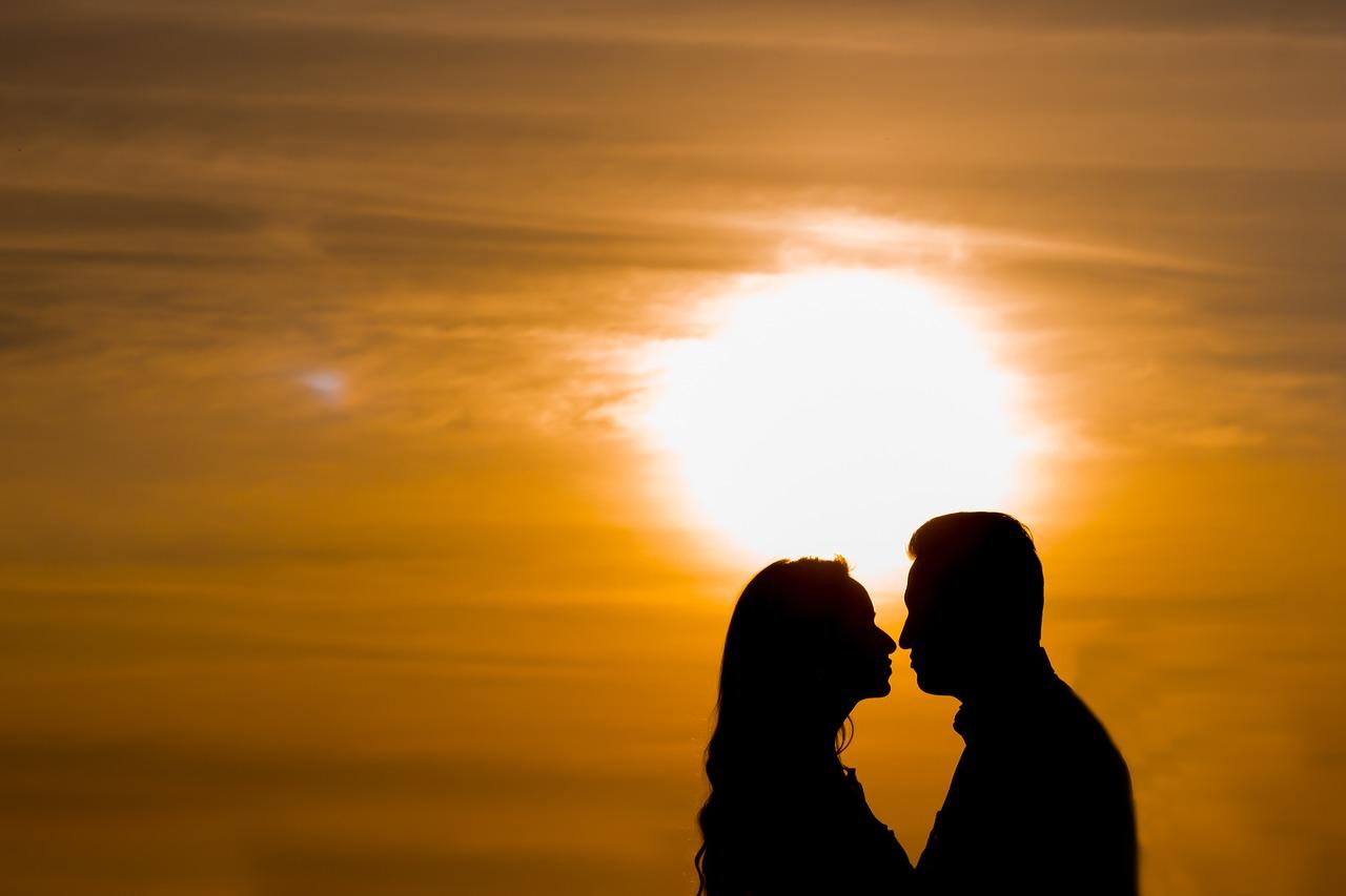 לחגוג את יום הנישואין שלכם