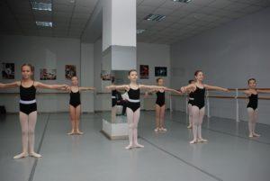 ילדות רוקדות